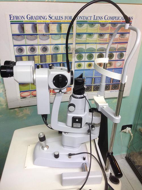 Linea Ottica - Lampada a fessura con bio microscopio